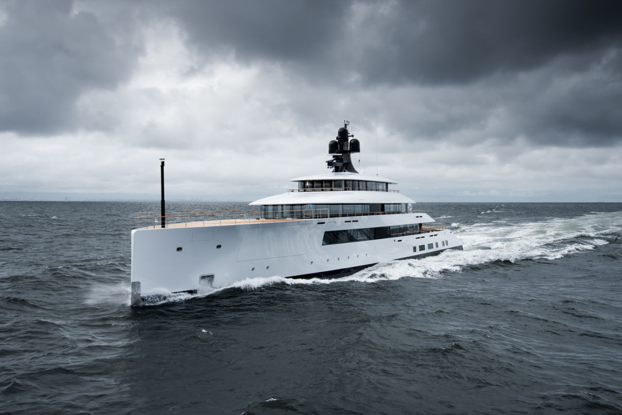 https://dbj7896sklvdk.cloudfront.net/craft/imager/yachtimages/3115907/818-copyright-Feadship-4912_57f3fc505df5b467437981262d17d27d.jpg